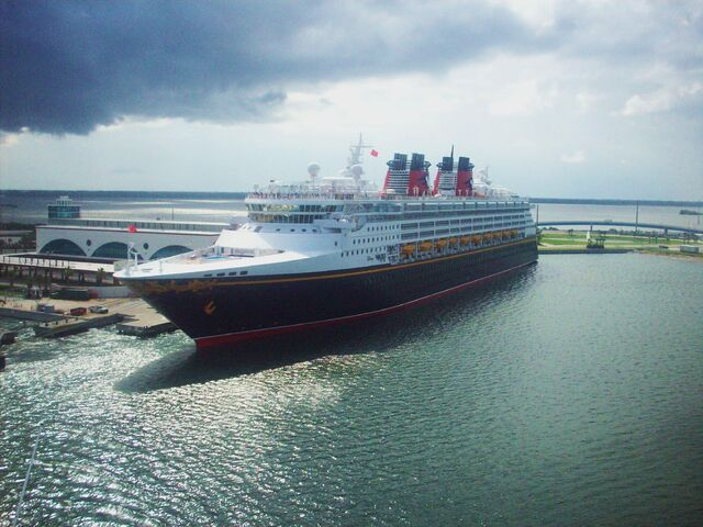File:Disney Wonder 2008.jpg