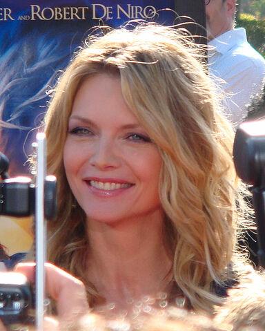 File:Michelle Pfeiffer 2007.jpg