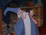 Sword-in-stone-disneyscreencaps.com-328