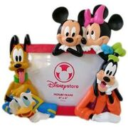 133622107 -mickey-friends-picture-frame-goofy-pluto-minnie-toys-