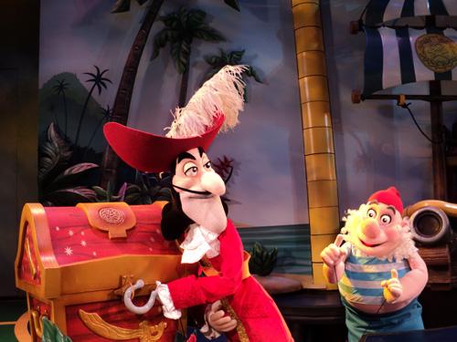 File:Disneyjr hook smee 2 500.jpg