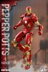 Iron Man Mark IX and Pepper Hot Toys 07