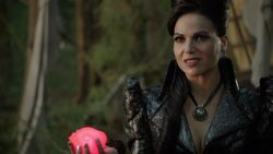 Once Upon a Time - 6x02 - A Bitter Draught - Evil Queen with Heart