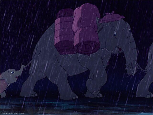File:Dumbo-disneyscreencaps com-1304.jpg