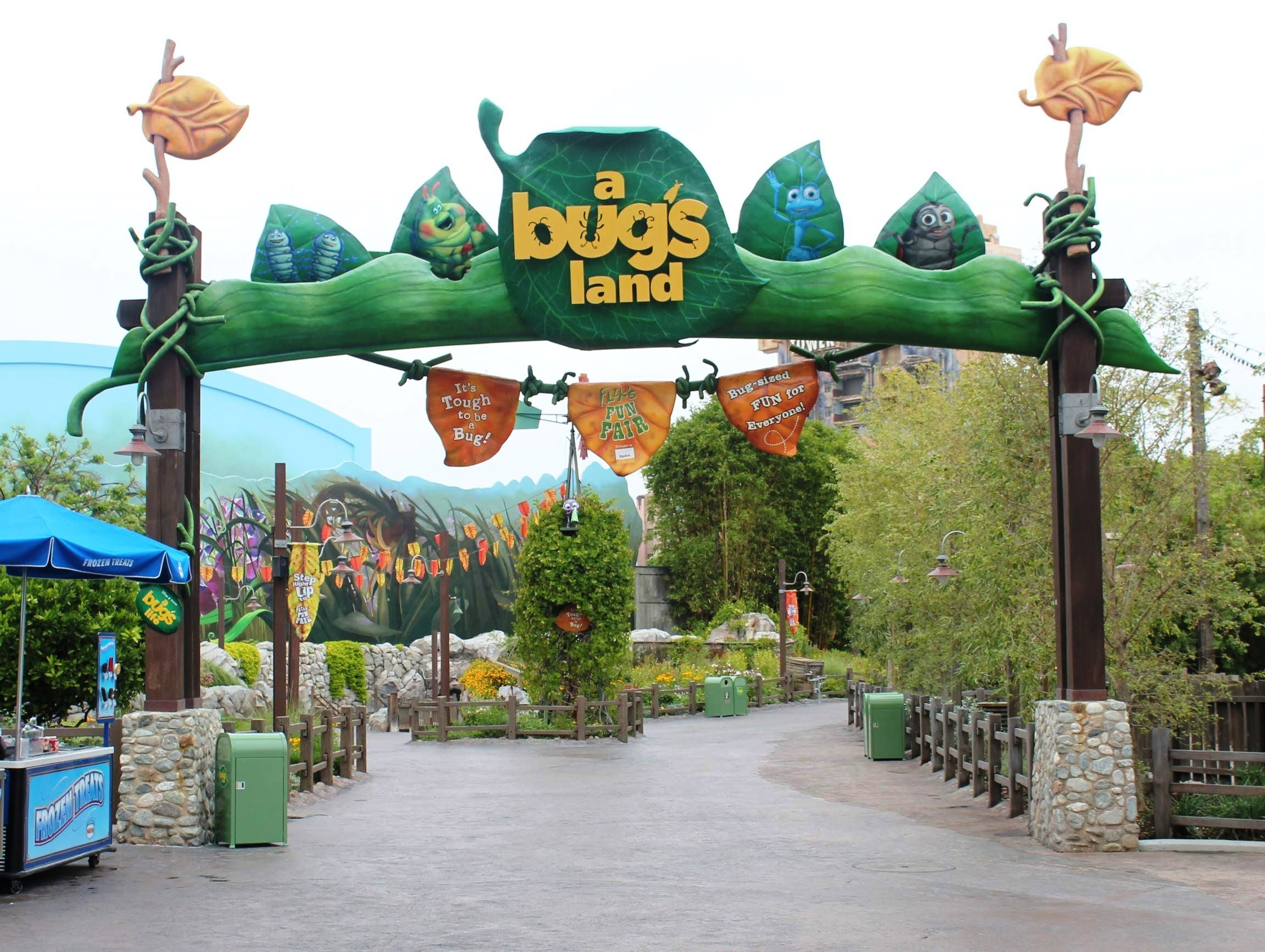 File:A Bug's Land at Disney California Adventure.jpg