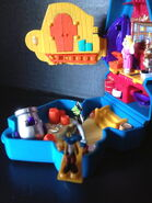 Bluebird toys uk polly pocket muppet treasure island pirate gonzo head toy set 4