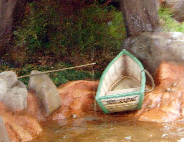 File:Anniegatorboat&fishingrod.jpg.JPG