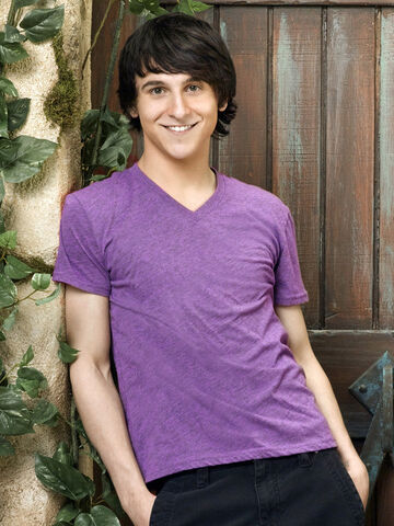 File:Pair-of-kings-mitchel-musso-1 (1).jpg