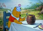 Winnie-the-pooh-disneyscreencaps.com-5250