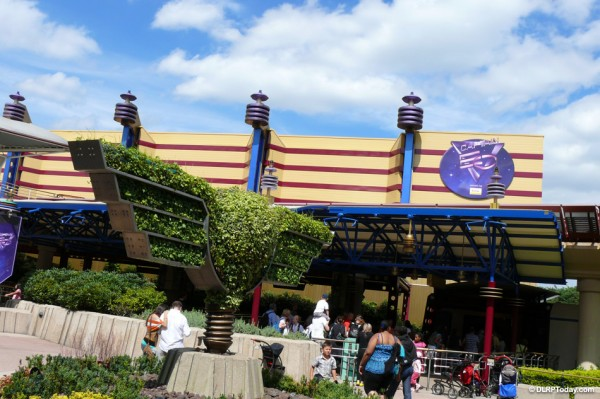 File:Captain EO of Disneyland Paris.jpg