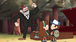 S1e3 grunkle stan stepping on coffin