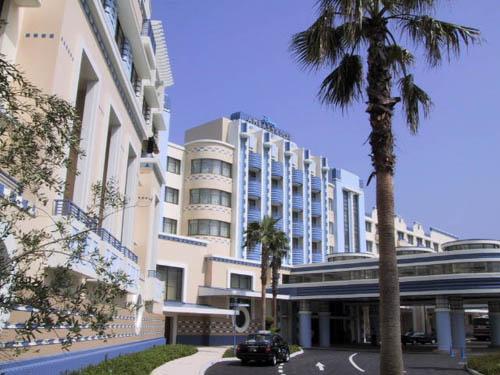 File:Disney's Ambassador Hotel.jpg