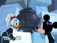 Minnie Daisy Black Cauldron