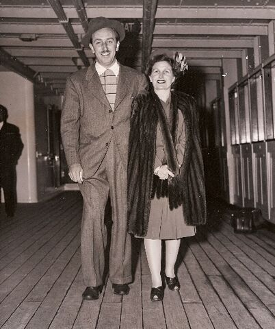 File:Walt y Lillian.jpg