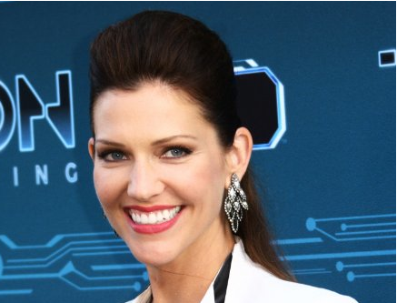 File:Tricia Helfer.png