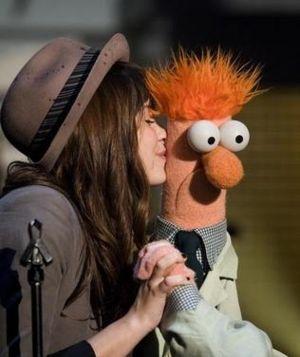 File:Beaker and Demi Lavato.jpg