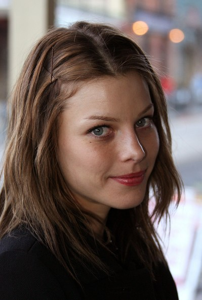 Lauren German | Doblaje Wiki | Fandom powered by Wikia
