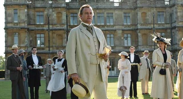 File:Robert forefront outdoors in front of Downton Abbey.jpg