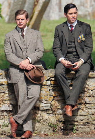 File:Tom Branson and Thomas Barrow 1924 (S05E08).png