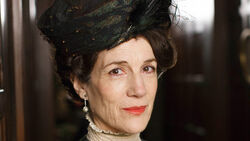 307983-downton-abbey-harriet-walter-as-lady-shackleton