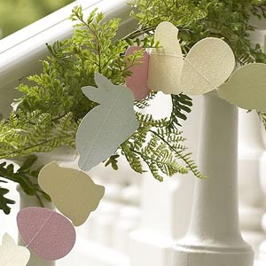 File:Paper-easter-garland.jpg