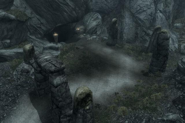 File:Reachcliff Cave.jpg