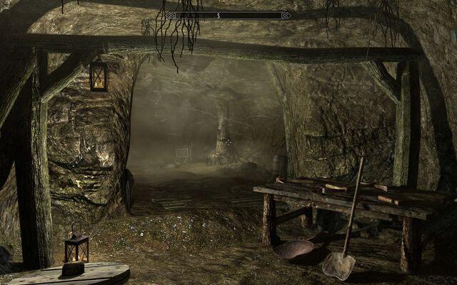 File:Bilegulch Mine Main Chamber.jpg