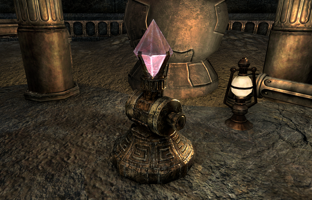 File:The Dangerous Past (Quest)CrystalPlaced.png