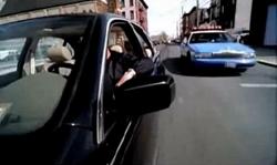 Grand Theft Auto 2 The Movie - Claude siendo perseguido por la patrulla de policía