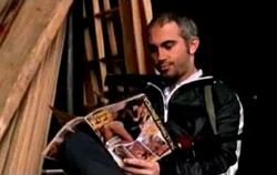 Grand Theft Auto 2 The Movie - Ruso viendo pornografía