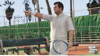 Michael jugando tenis