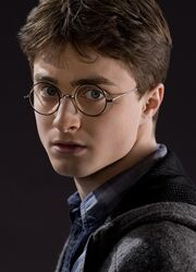 Harry Potter (HBP promo) 3.jpg