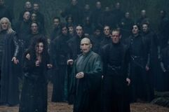 260px-DH2 Death Eaters with Voldemort during the battle.jpg