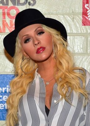 Christina-Aguilera--2014-Hollywood-Stands-Up-To-Cancer-Event--02-300x420.jpg