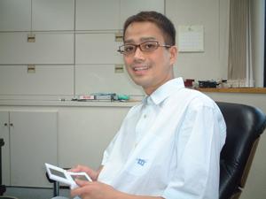 Archivo:Satoshi Tajiri 2006.png