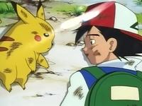 Archivo:EP001 Ash y Pikachu en el suelo.png