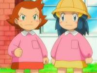 Archivo:EP532 Leona y Maya de pequeñas.png