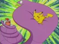 EP279 Pikachu usando placaje.jpg