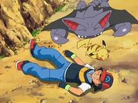 Archivo:EP556 Ash, Pikachu y Gliscor en el suelo.png