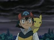 EP525 Ash con Pikachu bajo la tormenta que acaba de formarse