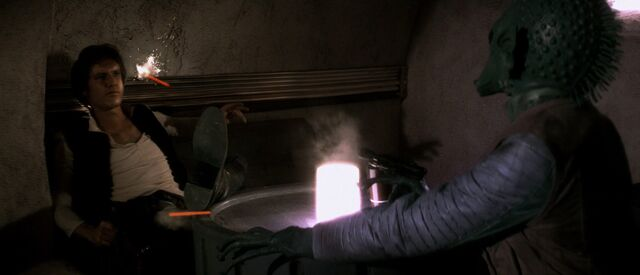 Archivo:Greedo shoots first.jpg