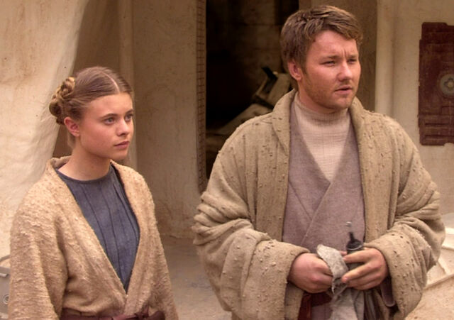 Archivo:Young Owen and Beru.jpg