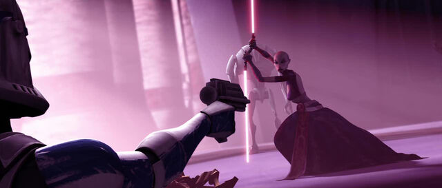 Archivo:Rex shoots at Ventress.jpg