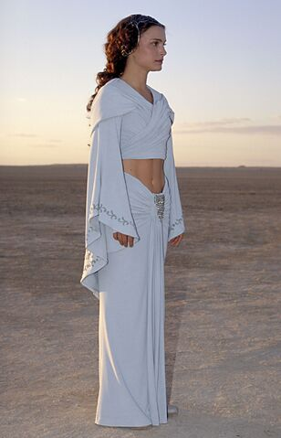 Archivo:Padmefull6Tatooine.jpg