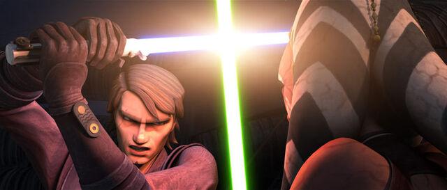 Archivo:Anakin vs Ahsoka.jpg