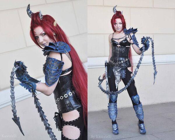 Archivo:Cosplay bruja eldars oscuros.jpg