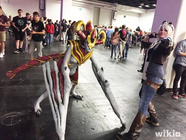 Archivo:Gamescom 2016 - Cosplay 2.jpg