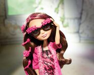 Facebook - Briar Getting Fairest modelling sunglasses