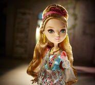 Diorama - Ashlynn stands regal