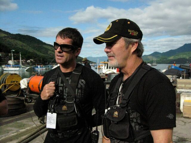 File:Expendables- Noon Orsatti and Andy Gill on-set.jpg